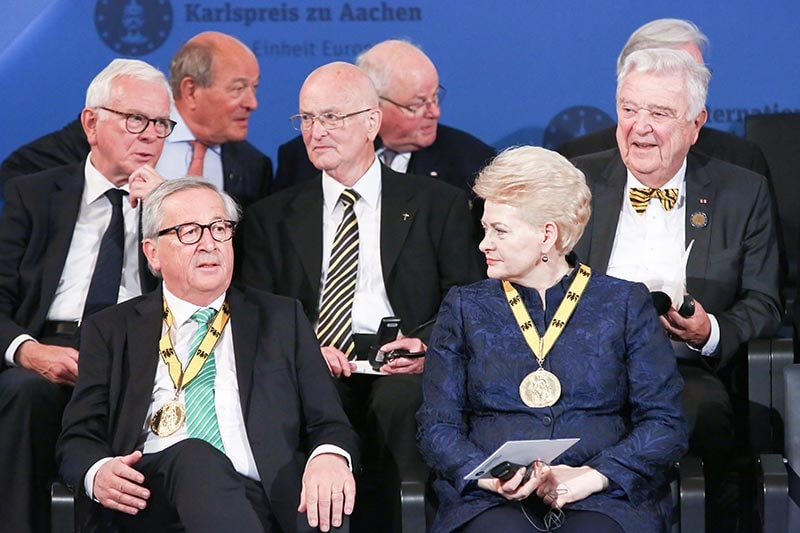 Former Charlemagne Prize Laureates Jean-Claude Juncker and Dalia Grybauskaitė at the Award Ceremony 2019 | © Helmut Rüland